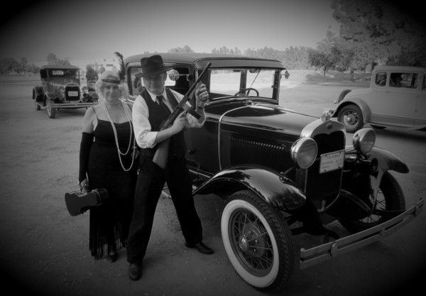 gangsters in the roaring 20s Our ap us history final the roaring 20s flappers and gangsters.